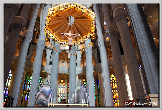 5 interior Sagrada Familia