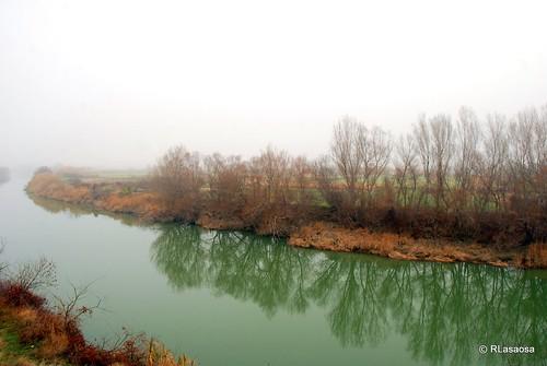 Paisaje de Navarra en la niebla by Rufino Lasaosa