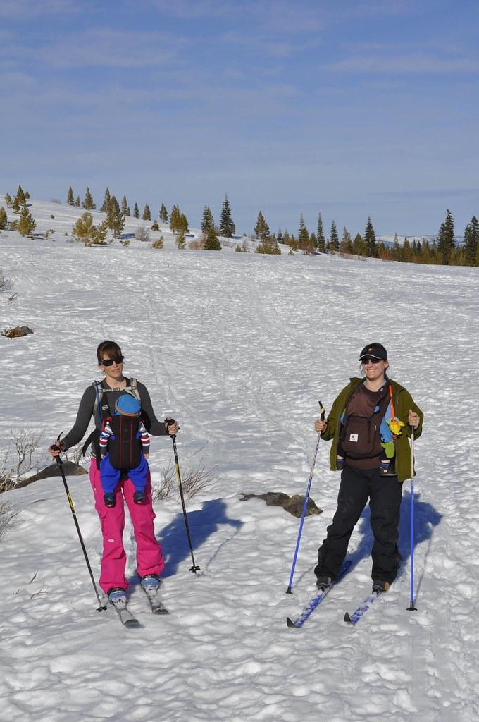 skiing mamas