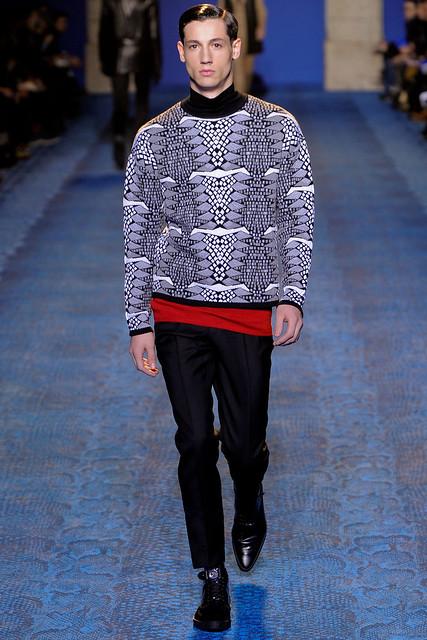 FW11_Milan_Versace016_Nicolas Ripoll(VOGUEcom)