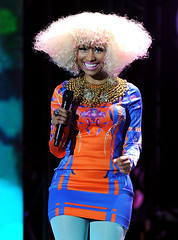 nicki-minaj-crazy hair