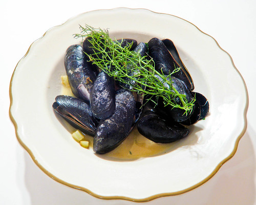 Mussels with Wine, Fennel & Bacon
