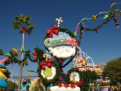 It's Grinchmas! At Seuss Landing