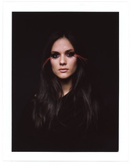 Polaroid 600SE (Bordons) Tags: portrait mamiya film girl beauty face hair polaroid eyes eyelashes retrato ojos instant fujifilm pestaas 600se fp100c polaroid600se bordons susannacampana
