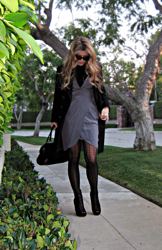 silk dress with stockings and a coat+cat eye sunglasses+beverly hills+light