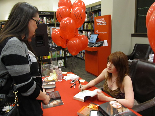 Richelle Mead signing 12.14.10