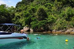 Ilha Grande: Blue Lagoon (sicksadlittleworld) Tags: ocean sea brazil beach southamerica water beautiful brasil riodejaneiro strand bay sand nikon meer wasser view praha playa brasilien atlantic lindo ilhagrande ausblick sudamerica atlantik bucht ozean d90 südamerika doreenreichmann