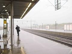 La estacin de Malmo (Micheo) Tags: waiting loneliness sweden malmoe soledad malm espera malmo suecia micheo