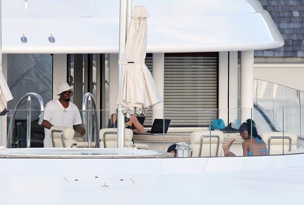 Diddy+on+a+boat+GJPTujDHVORl