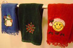 -Christmas Towels: Bathroom