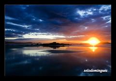 ultima puesta 2010 (selodominguez) Tags: canon playa galicia puestadesol pontevedra playadelalanzada 40d elgrove selodominguez
