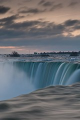 Twilight in Niagara (Kanokin) Tags: longexposure morning sky mist clouds dawn niagarafalls twilight nikon cloudy ciel waterfalls nuages gitzo matin nuageux longueexposition 2470 embruns chutesdeau chutesduniagara d700