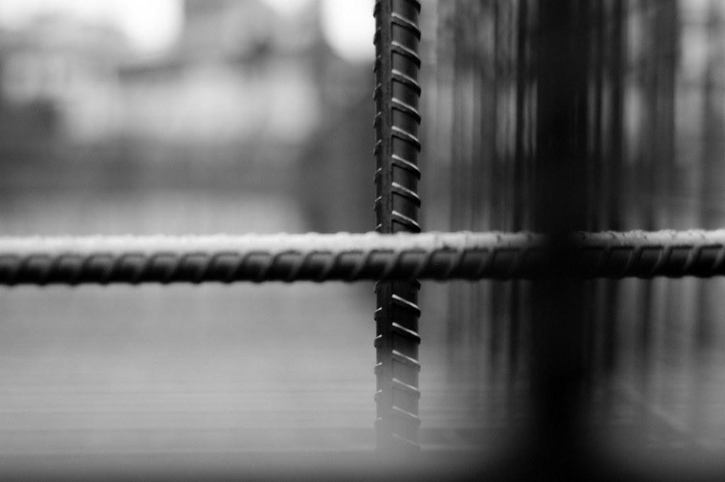 黑白 鋼鐵