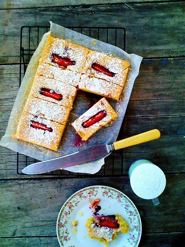 Gluten-free Plums and Almond Slice