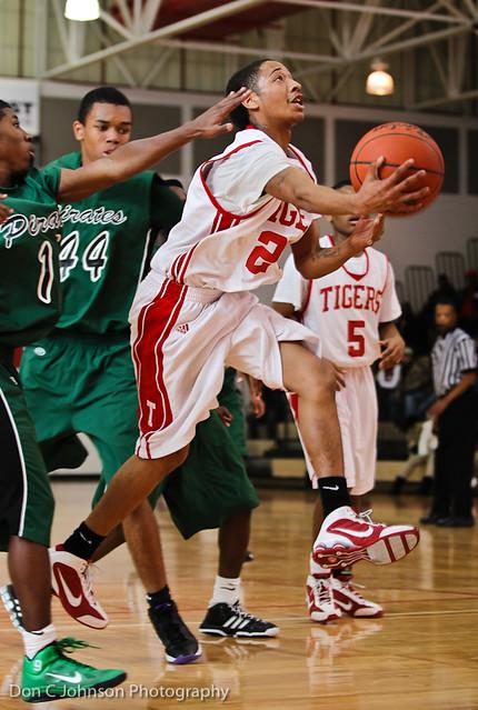 Basketball Terrell Poteet-5073