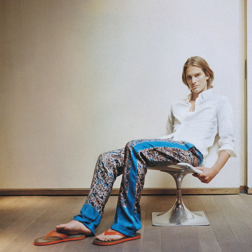 Andy Gillet5005(GQ Japan35_2006_04)