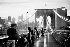 Brooklyn Bridge (Rotdenken (Jules Rigobert)) Tags: city nyc newyorkcity bridge people urban blackandwhite bw usa moon ny newyork building film skyline brooklyn america lune town photo flickr foto unitedstates noiretblanc manhattan flag ciudad nb ciel stadt pont sw amerika brcke dreamland ville immeuble argentique citt drapeau urbain bandiera 21stcentury amrique etatsunis gebaude unitesstatesofamerica flickraward schwarzundweis xxiesicle rotdenken julesrigobert