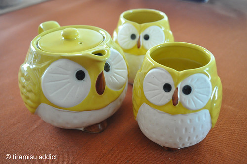 Yellow Owl Tea Set