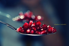 full spoon of love (NESIHO) Tags: life light red food love fruit pom intense flickr heaven peace spoon fave kurdish nar pomagranate fruitoflove bloodcolor hinar nesiho