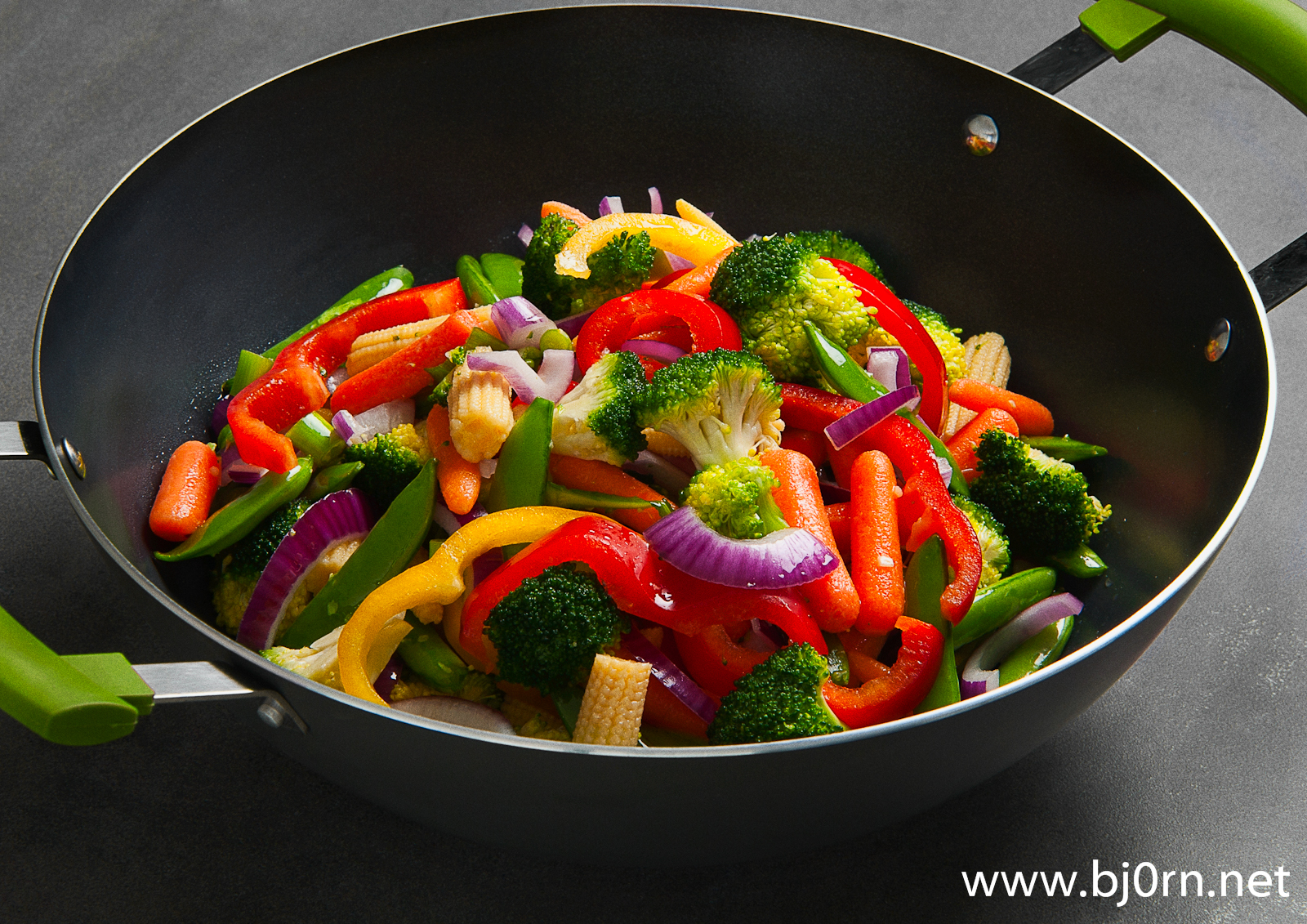 photo: Bjørn Christiansen, Wok pan from Ikea with Vegetables