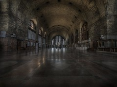 Abandoned grand central station (andre govia.) Tags: building abandoned strange buildings hospital photo closed photos decay ghost andre haunted creepy explore trespass horror ghosts sanatorium left explorers decaying ue hospitals asylums govia bext andregovia