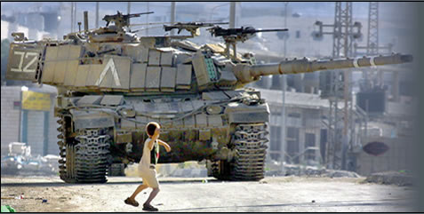 child_against_tank