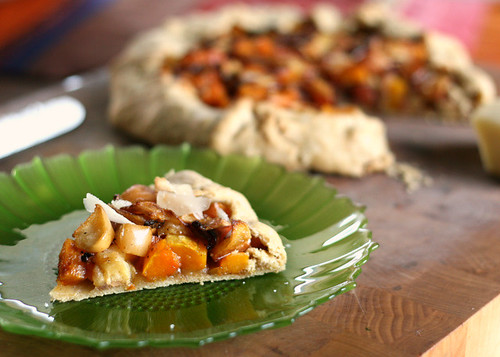 Gluten-Free Roasted Apple and Butternut Squash Galette with Mustard-Maple Glaze | gluten-free recipes | apple recipes | butternut squash recipes | fall recipes | perrysplate.com