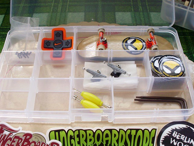 post your fingerboard case/box - Page 7 5383577758_298c38a86a_z