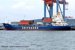 Polarwind (andreasspoerri) Tags: antiguabarbuda containerschiff freesia gteborg imo8303290 peterswewelsfleth polarwind