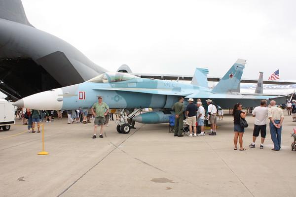 EAA10_FA-18C_003