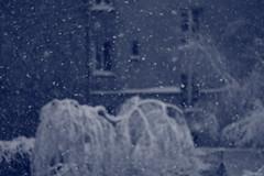 """IMG_6406 (pellegrini_paris20) Tags: snowflake schnee white snow paris canon eos flake neige weiss blanc ville flocons flocon itsnows flocke flocken schneeflocke schneit flocondeneige souslaneige esschneit floconsdeneige flickraward ilneige 1000d """"flickraward"""
