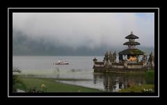 Lac Bratan (brile59) Tags: bali water landscape eau lac asie paysage hindu bratan indonésie