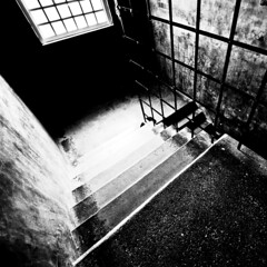 stair - glasgow school of art, historic building, charles rennie mackintosh (abbozzo) Tags: blackandwhite bw art stairs scotland stair glasgow steps stairwell staircase gsa glasgowuniversity renniemackintosh charlesrenniemackintosh glasgowschoolofart listedbuilding renfrewstreet historicbuilding schoolofart gillespiekiddcoia scottisharchitecture glasgowcity crmackintosh mackintoshbuilding gsoa glasgowarchitecture mackintoshschoolofarchitecture abbozzo scottishbuilding glasgowbuilding garnethillglasgow abbozzoarchitects honeymanandkeppie renfrewstreetglasgow schoolofartglasgow mackintosharchitecture listedbuildingglasgow listedbuildingmackintosh glasgowhistoricbuilding