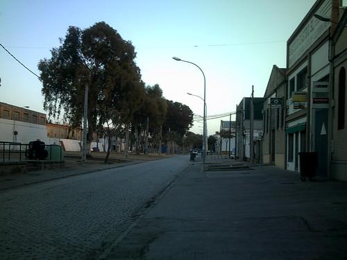 Calle de acceso a Lebrija desde la estación RENFE
