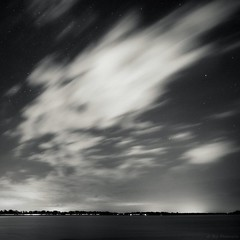 (Le***Refs *PHOTOGRAPHIE*) Tags: longexposure light bw mer white black reflection night stars nikon tripod nb explore reflet frontpage nuit etoile hdr camargue mditerrane d90 legrauduroi lerefs