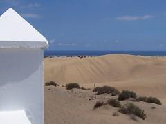 Sandy heaven (Inez P) Tags: ocean blue sea grancanaria island sand blauw zee canaryislands sanddunes zand eiland islascanarias oceaan canarischeeilanden zandduinen
