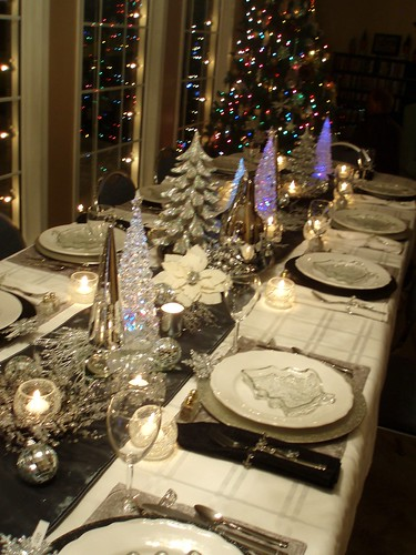 Christmas Dinner for Twelve Christmas Tablescapes Pinterest