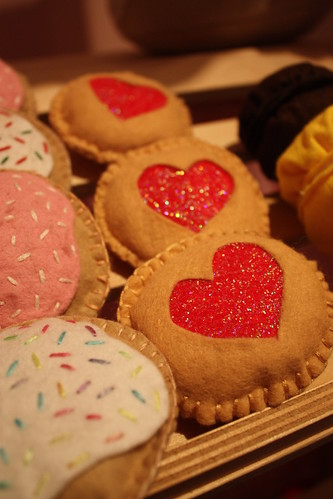 Felt Jammy Heart Biscuits and Cookies