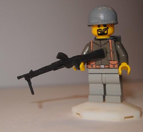Bren MG and M1 Pot