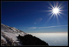 Inversione termica / Inversion (mauro742) Tags: winter sky sun snow nature backlight natura cielo neve inversion sole inverno montagna moutain controluce veneto montepizzoc inversionetermica prealpivenete rifugiocittdivittorioveneto
