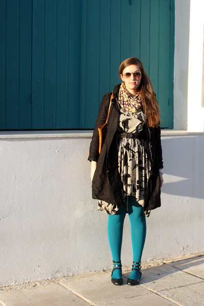 fashionarchitect.net_turquoise_tights_feather_print_dress