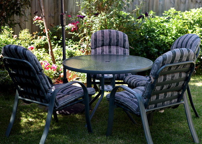 Outdoor Table & Chairs - pic 1