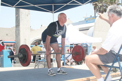 Vladimir Tsatsulin deadlifting on Muscle Beach Venice in one of his first meets.