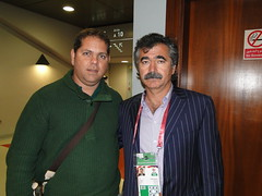 LEONARDO VITORINO AND UZBERQUISTAO COACH (Leonardo Vitorino) Tags: soccercoach algharafa asiancup2011 braziliancoach leonardovitorino