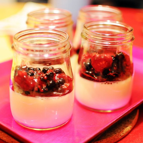 berry-pannacotta