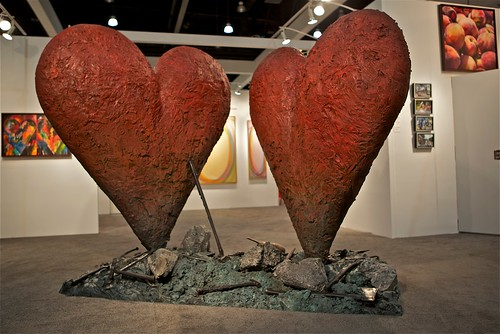 Dine hearts sculpture from LAAS 2011