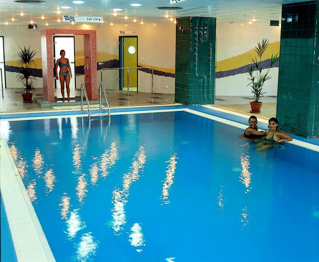 Danubius Hotel Arena - medence