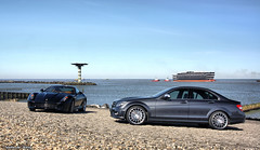 Ferrari 599 vs Mercedes C63 (Niels de Jong) Tags: sun holland port mercedes benz rotterdam shoot harbour c nederland fake ferrari 63 vs van hdr maasvlakte amg gtb hoek 599 fiorano europoort c63 fhdr ndjmedia
