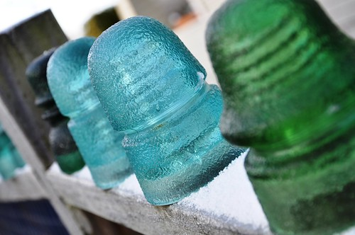 Insulators in ice 3