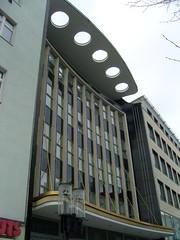 """""""Filmpalast-Architektur"""" ... (bayernernst) Tags: 2011 februar 07022011 sn205545 deutschland berlin berlincharlottenburg charlottenburg wilmersdorferstrease haus gebäude architektur"""